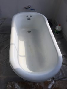 100 year old cast iron clawfoor tub